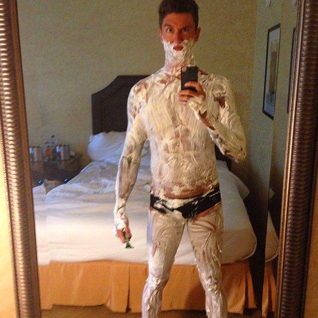 23. Ulusal yarışmalara hazırlanmak için vücudundaki tüm kılları tıraş eden yüzücü Anthony Ervin: