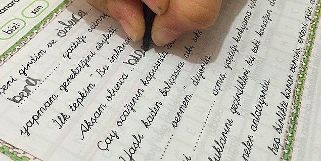 2017'de okullarda zorunlu öğretilen bitişik eğik el yazısı modeli kalktı.