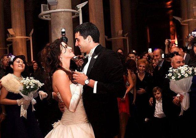 8. 12 yıldır evli olan Memet Ali Alabora ile oyuncu eşi Pınar Öğün evliliklerini sonlandırdı!