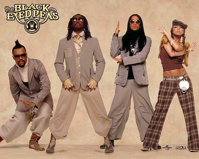 13. Black Eyed Peas'in büyük hiti 'Let's Get It Started'ın albümdeki orijinali 'Let's Get Retarted' idi.