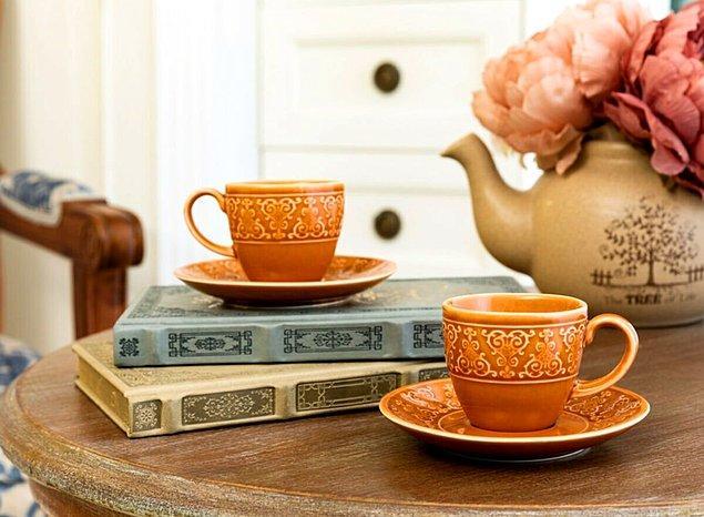 8. Kahve fincanı meraklılarının çok seveceği bir set.