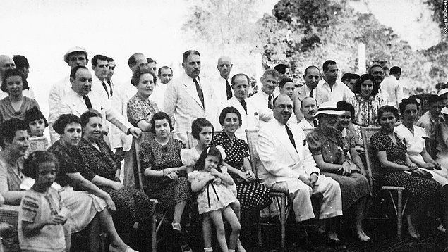 1. Almanya'da Nazizm ve Anti-semitizmin yükselişi sırasında Filipinler, sınırlarını Avrupa'dan gelen Yahudi mültecilere açmışlardı.