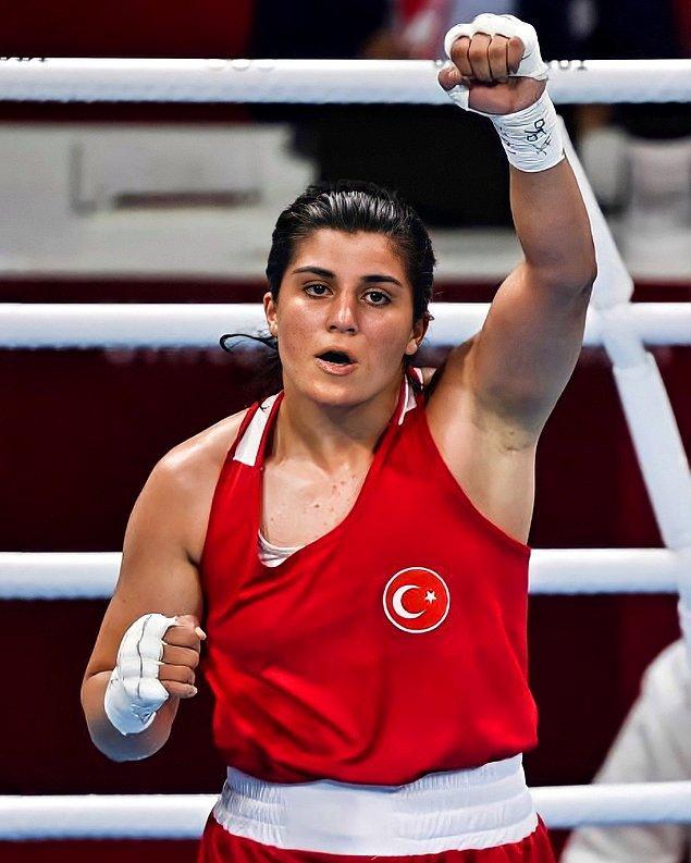 Sadece eşitliğin harf sayısında olduğu Ortadoğu kültüründe bir gün daha fazla yaşamak kadının en büyük başarısıyken, sanatta, sporda hangi branşta olursa olsun kadının en ufak başarısı bir erkeğin başarısından çok daha değerlidir.