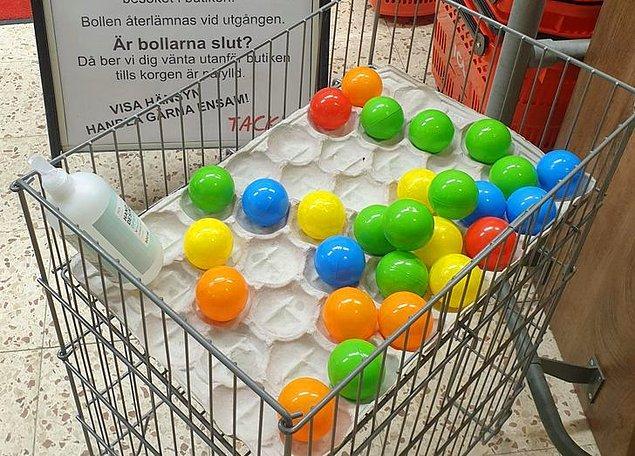 16. İsveç'teki bir süpermarket, içeride kaç müşteri olduğunu hesaplamak için her gelene bir top veriyormuş.