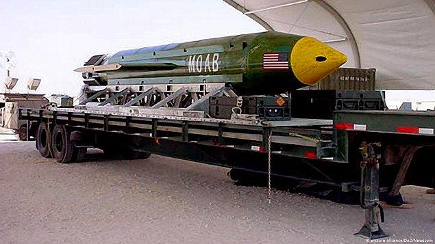 Dünya Ticaret Merkezi saldırılarından kısa bir süre sonra 7 Ekim'de ABD, Afganistan'ı bombalamaya başlar. Ayrıca CIA destekli az sayıda ABD özel kuvveti ülkeye iner. Burada ilginç olan nokta ise...