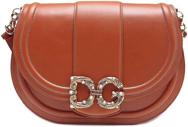 20. Dolce&Gabbana çantaların da her zaman ayrı bir ağırlığı oluyor.