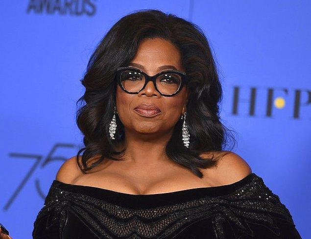 7. Oprah'ın vücudunun şekline göre şekillendirilmiş mermer ve oniks bir küveti var.