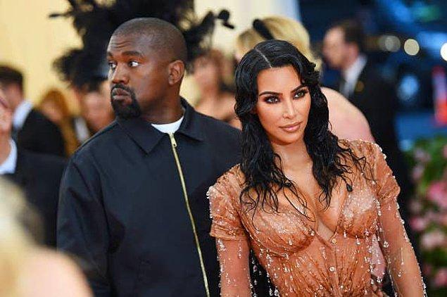 9. Kim Kardashian ve Kanye West, 2013 yılında Bel Air malikanesini satın aldıklarında onu, 750.000 dolara dört altın kaplamalı tuvaletle donattılar.