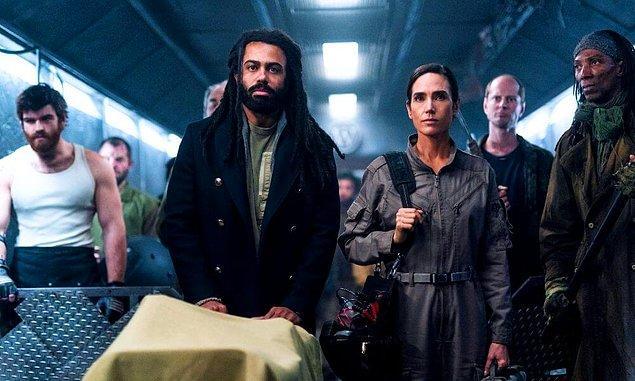 11. Üçüncü sezon çekimlerini kısa süre önce biten Snowpiercer'ın TNT kanalından 4. sezon onayını aldığı açıklandı.