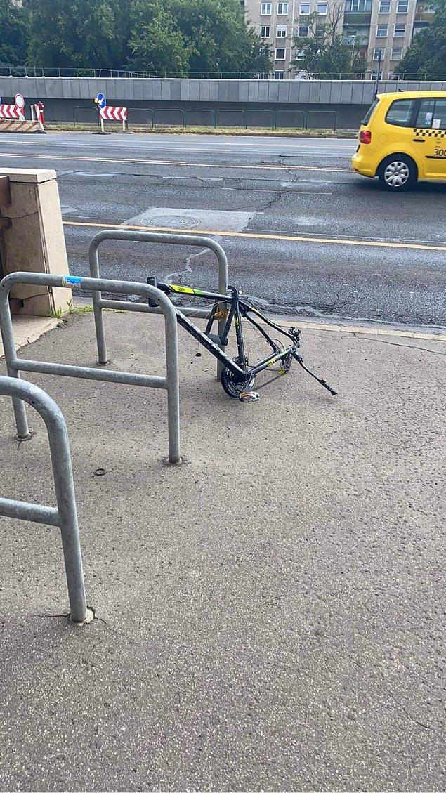 """4. """"Bisikletimin tüm parçalarını çalıp, bu kısmı neden bıraktınız ki? Hepsini alsaydınız keşke."""""""