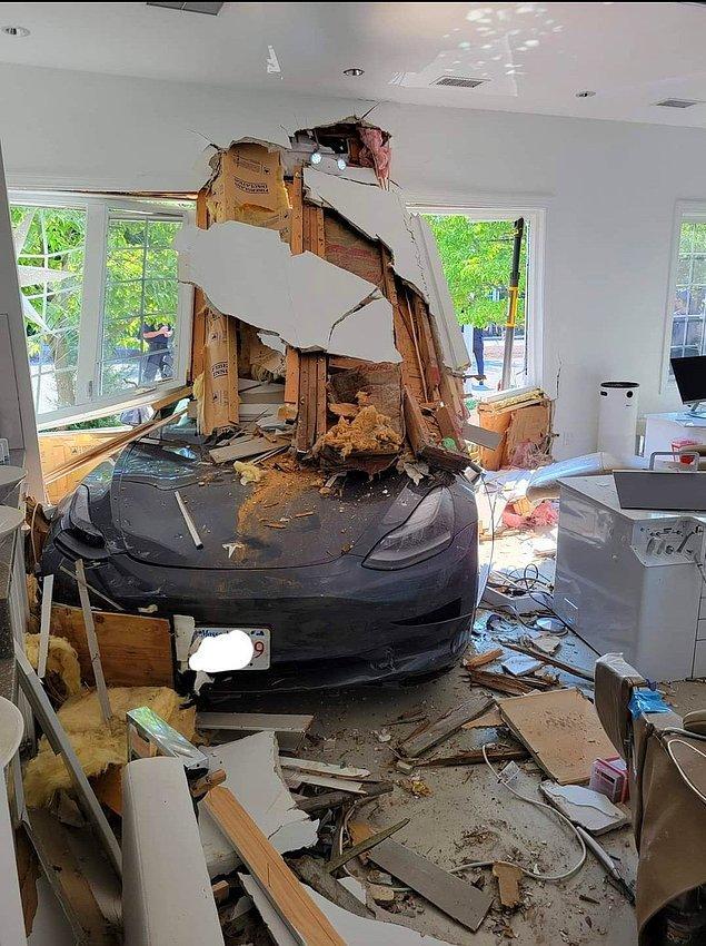 """6. """"Bu sabah geldiğim diş kliniğine araba girdi."""""""