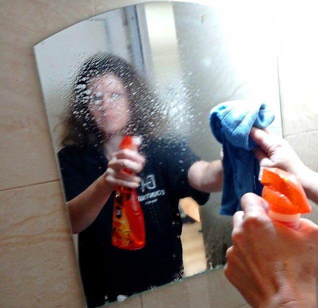 5. Banyo aynasını düzenli olarak temizlemek.