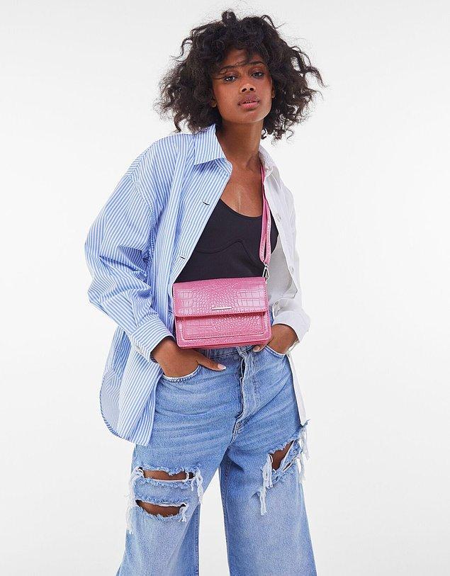 5. Bershka çanta ile pembenin gücünü stilinize yansıtın. 💗