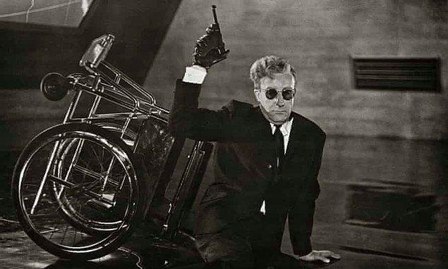 5. Dr. Strangelove or: How I Learned to Stop Worrying and Love the Bomb (1964)