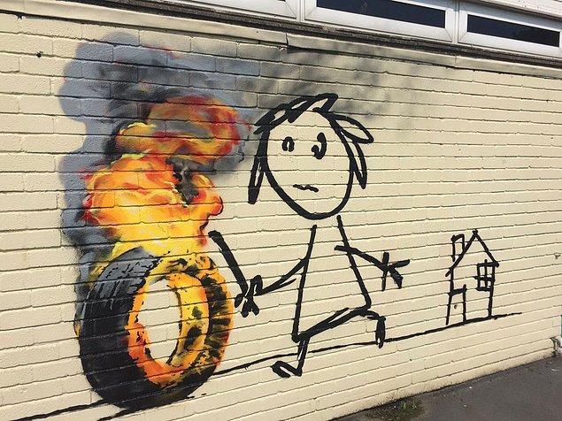 Time dergisi tarafından dünyanın en ilham veren sanatçılarından biri seçilen Banksy'nin eserleri daha çok sistem karşıtı ve mesaj içerikli.