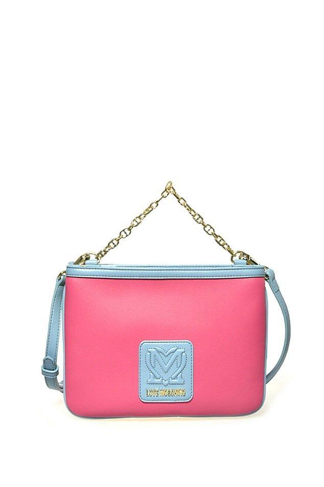 1. Love Moschino çantaları, dinamik, renkli ,eğlenceli tasarımlarıyla çok beğeniliyor.