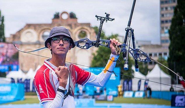 Ve Mete'nin dediği de oluyor, 2016 Rio Olimpiyatları'na katılan Mete burada ülke çapında büyük bir üne kavuşuyor.