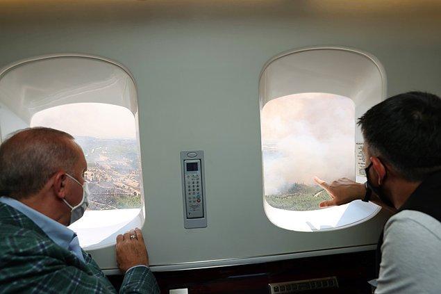 Manavgat'ta havadan inceleme yapan Erdoğan'a Tarım ve Orman Bakanı Pakdemirli'nin eşlik ettiği görüldü.
