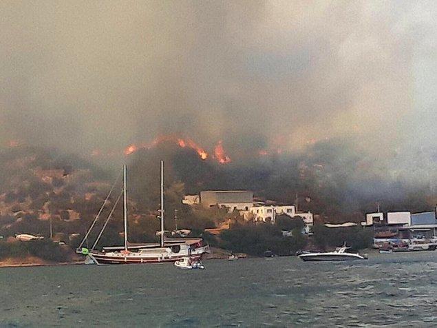 Bölgede alevler bir süre sonra etkisini yitirdi. Yangını kontrol altına alma ve söndürme çalışmaları devam etti.