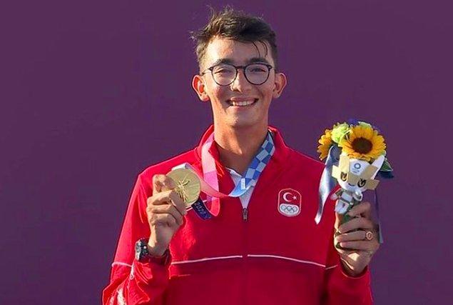 Mete'nin şampiyon olmasına en çok sevinen ve gururlanan isimlerden biri şüphesiz ki babası Metin Gazoz'du.