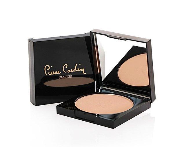 7. Pierre Cardin Kozmetik ürünleri arasında yer alan pudralar, en beğenilen ürünler arasında yer alıyor.