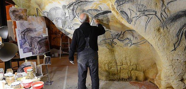 Mağaranın kapatılmasının ardından 1970 yılında Lascaux Mağarası'nın birebir kopyası yapılmaya başlanıyor.