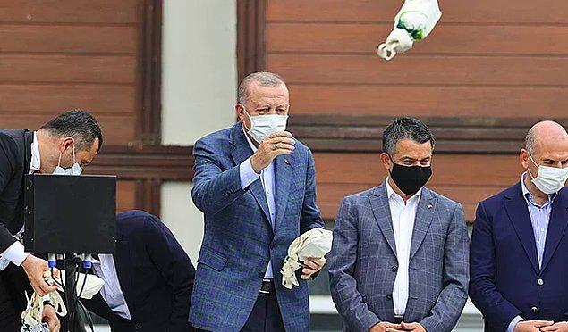 Her felaket sonrası Cumhurbaşkanı Recep Tayyip Erdoğan'ın afetzedelere çay dağıtması bir rutine dönüştü.