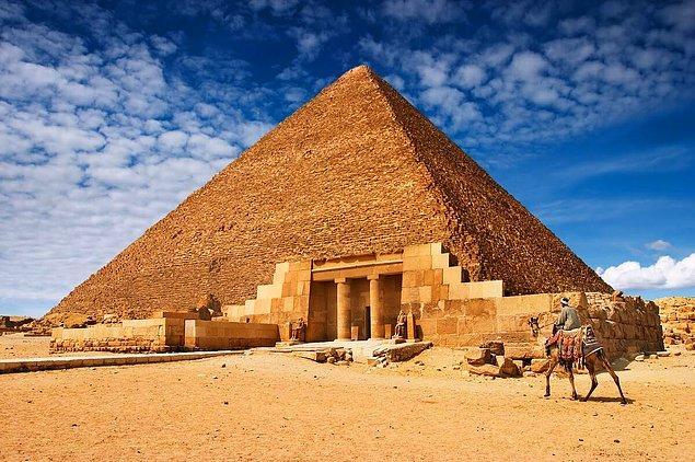 4. Keops Piramidi/ Mısır