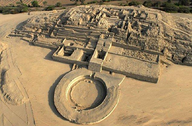 6. Sechin Bajo/ Peru