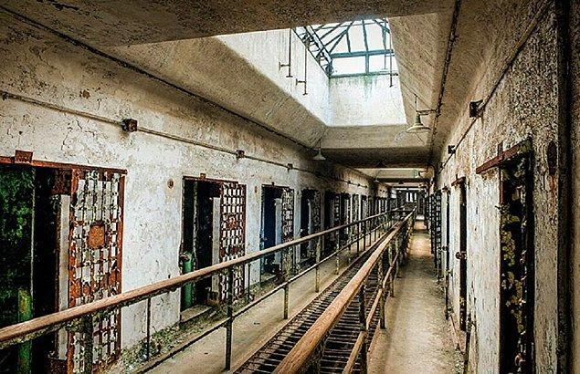 2. Film gerçek bir hapishanede çekildi.