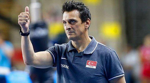 Bu büyük başarının altında ise hali hazırda hem Vakıfbank SK hem de Milli Takım'ın baş antrenörlüğünü yapan Giovanni Guidetti'nin imzası var.