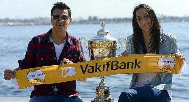 İtalyan çalıştırıcı, pek çok ilki gerçekleştirdiği Türk voleyboluna ilk imzasını 2011 yılında attı.