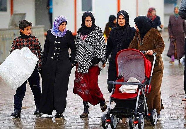 4. Tabii bunun en büyük nedenlerinden biri de zaten halihazırda Suriyeli mülteci-sığınmacılarla yaşanan birtakım olaylar diyebiliriz.