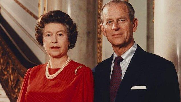 3. Prens Philip aslen İngiliz değildi! Yunanistan ve Danimarka kökenli bir ailenin çocuğu olan Philip, Elizabeth'le evlenmek için doğduğu yeri geride bırakmayı seçti.