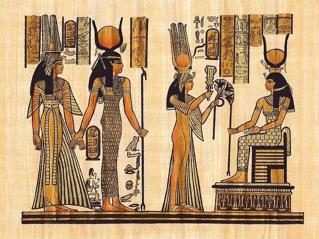 3. Kleopatra annesi ve babasının kardeş olduğunu düşünüyordu bu yüzden de kendi kardeşi Ptolemy ile evlendi.