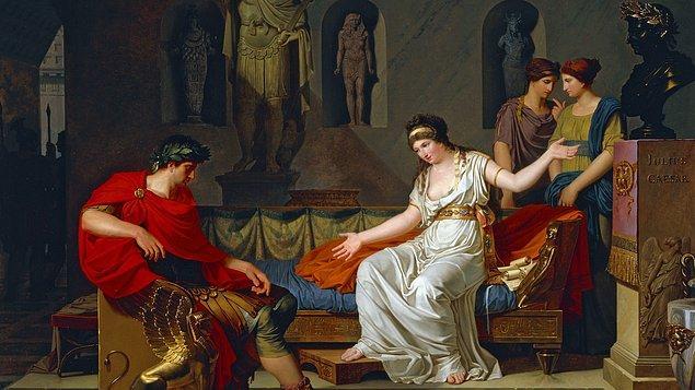 6. Kleopatra ve Sezar arasındaki yaş farkı oldukça fazlaydı. Kleopatra 21 Sezar ise 52 yaşındaydı.