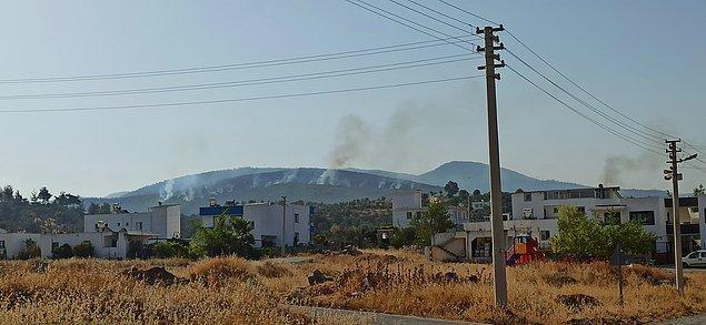 09:18 Yangın bir yerleşim yerine daha yaklaştı.