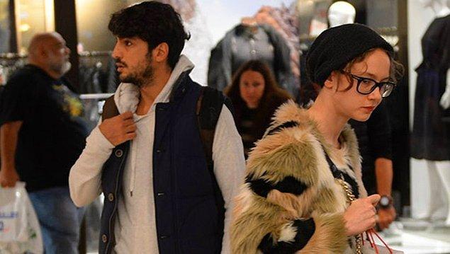 Taner Ölmez ve Ece Çeşmioğlu 2019 yılının sonbahar aylarında yan yana görüntülenerek magazin dünyasında aşk dedikodularına neden olmuştu.