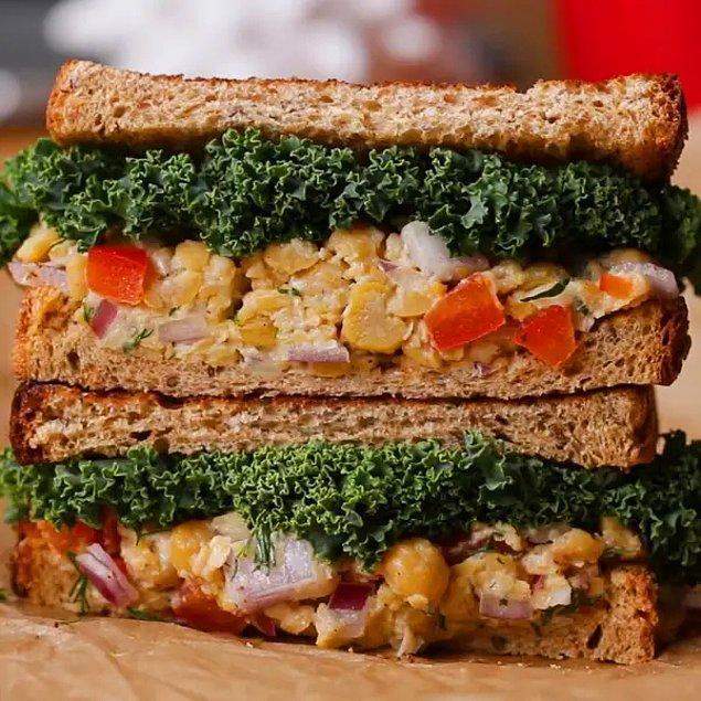 4. Nohut Salatalı Sandviç Tarifi: