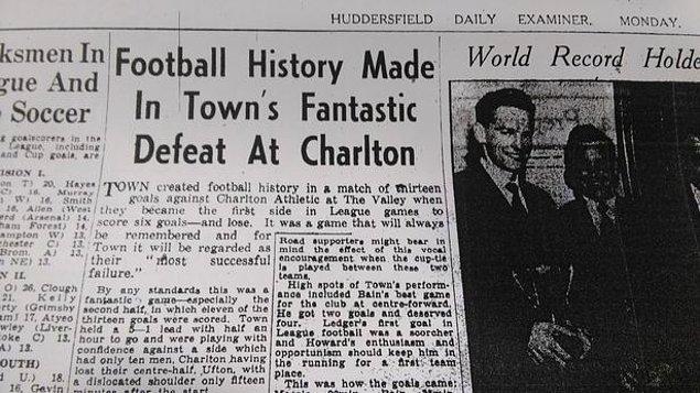4. 1957 yılında Charlton, 75 dakika 10 kişi oynadığı ve son yarım saatine 5-1 mağlup girdiği Huddersfield maçını 7-6 kazandı.