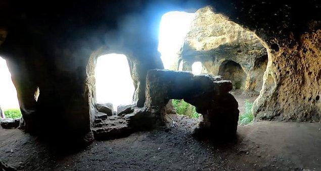 Çalışmayı yürüten üniversiteden arkeoloji profesörü Mark Horton, bölgede başka Anglosakson yapılarının bulunabileceğini söyledi.