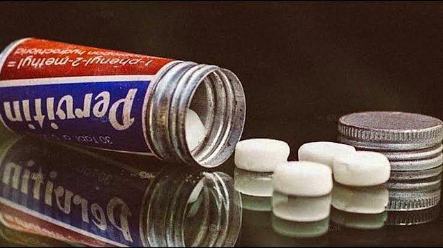 Pervitin, askerlerin daha uzun süre savaşmasına, acı hissetmemesine ve 36 saate kadar uyanık kalmasını sağlayan bir ilaç.