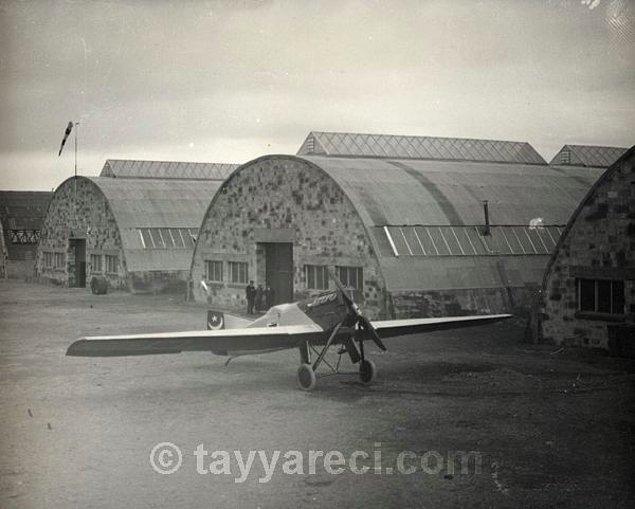 1. Junkers A-20 Bombardıman Uçağı (1932 yılına kadar 15 tane üretilir.)