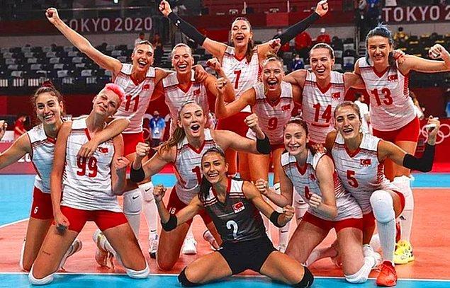 'Şu sıralarda 2020 Tokyo Olimpiyatları'nda bizleri gururlandıran A Milli Voleybol Kadın Takımımızın oyuncularını tanıtacağız size sırayla.' demiştik hatırlarsanız...