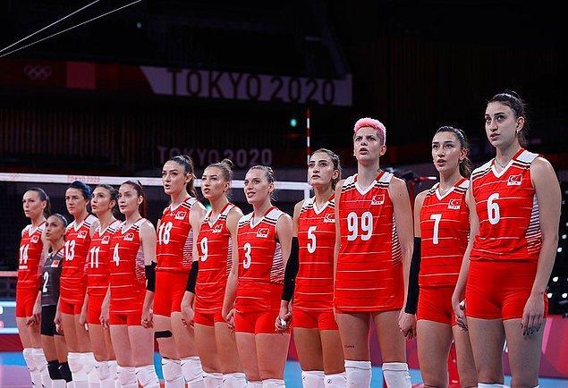 Bildiğiniz üzere bu sabah saatlerinde Tokyo Olimpiyatları'nda mücadele veren kadın milli voleybol takımımız Güney Kore ile karşılaştı.