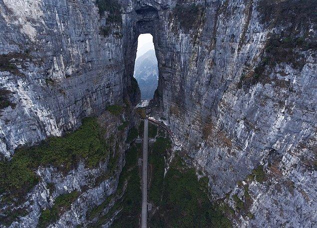 8. Heaven's Gate Mountain, Zhangjiajie, Çin