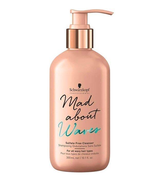 7. Onarıma ihtiyaç duyan saçlarınıza sülfatsız şampuan kullanmanız halinde, kısa sürede bakımlı saçlara sahip olabilirsiniz.
