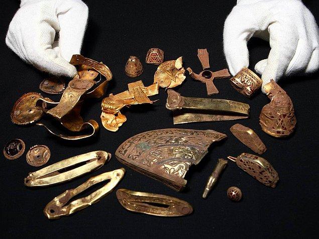 9. anglosakson altın gömüsü (birleşik krallık)