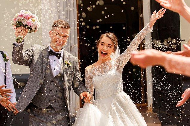 6. Şimdi de söyle bakalım, evleneceğin insanın siyasi görüşü senin için çok önemli midir?