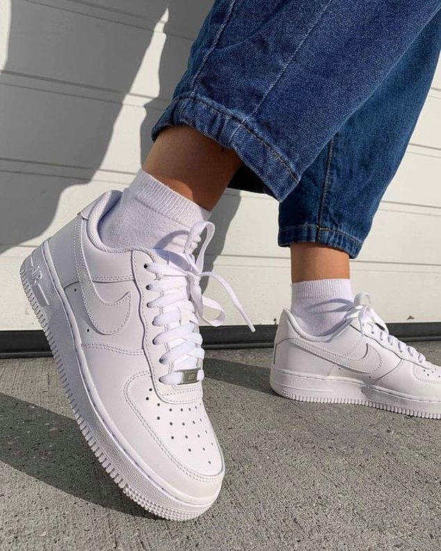 1. Nike Air Force tüm zamanların en sevilen ayakkabı modelleri arasında yer alıyor. 👌